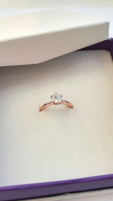 14 kt Rose gold ring - white sapphire - size adjustable ***no reserve price***