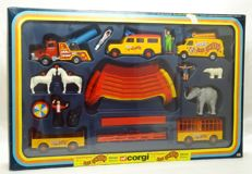 Corgi Toys - Scale 1/43-1/36 - Pinder Circus Set Les Cirques Jean Richard - GiftSet - No.48