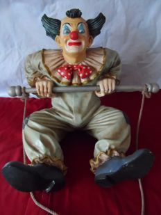 Original clown on trapeze (Jun Asilo 1996) Brazil, unique collectors' item with artist's hallmark.