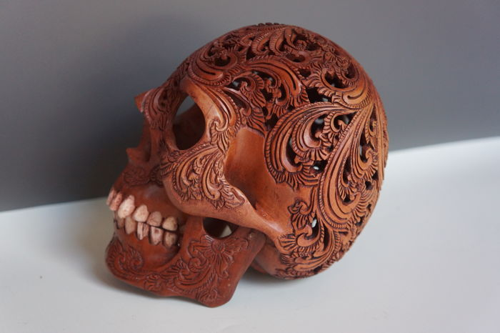 Hand carved human skull balinese flower pattern teeth