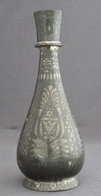 Bidri vase with inlaid silver - Persia/India - 19th century