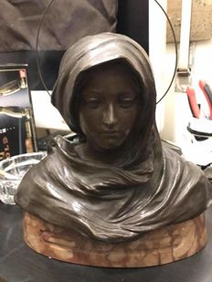 Antonio Ugo (1870 - 1950) - Bronze bust of the Virgin Mary - early 20th c.