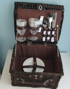 2 persons reed wine / picnic basket