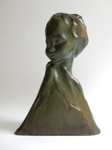 Amadeo Gennarelli (1891-1943) - bronze bust of young girl
