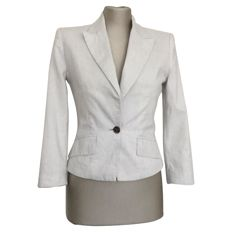Alexander McQueen – beautiful blazer, chic but also tough