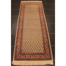 Beautiful hand-knotted oriental carpet, Sarough Mir, 195 x 77 cm, made in India at the end of the 20th century