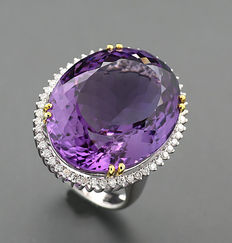 Amethyst, brilliant ring totalling 41.12 ct in 750 white gold - size: 56 *NO RESERVE*