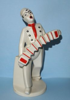 "Louis Regout, Mosa ceramics - Sculpture of an accordionist ""Jim"""