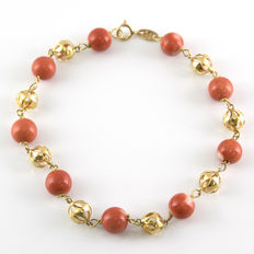 18 kt gold bracelet with natural Pacific coral – length:  19.00 cm (approx.)