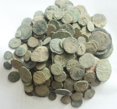 Roman Empire - Lot of 200 AE coins, 1st - 4th century AD