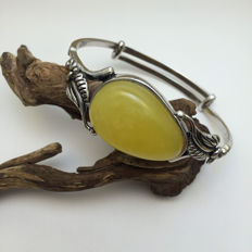 Baltic Amber and 925 silver bracelet, weight of 24.2 grams