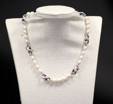 "Tiffany & Co. - ""Infinity"" vintage sterling silver and freshwater pearl ladies necklace, London 1999 - Length : 42.5 cm"