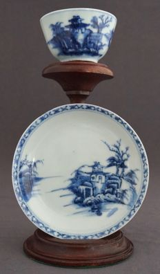 The Nanking Cargo; Cup and saucer - China - 1752