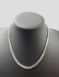 Silver curb link necklace, 925k. Length: 44.3 cm, width: 0.5 cm, Weight: 29.04 g