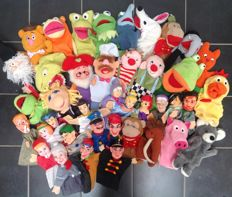 Collection 40 old hand puppets/puppet dolls
