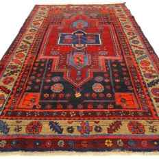 "Hamadan – 195 x 121 cm – ""Eye-catcher with brightly coloured accents – Persian carpet in wonderful condition"" – Please note! No reserve, bidding starts at €1."