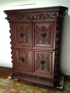 A sculptural and rich hand carved oak furniture in renaissance style - France - late 19th century