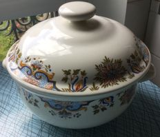 Tureen in Gien earthenware