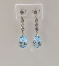 14k white gold earrings, With 8 sapphire, and tapas - length 35 mm ***no reserve***