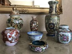 Up for auction: 7 porcelain vases and bowls. China, late 20th century