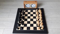Wooden Chess Set including Garde Classic Chess Clock