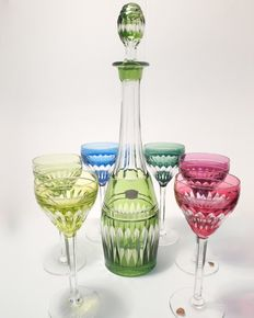 Val Saint Lambert - High decanter with six coloured glasses - Hand-cut crystal, signed model Tilly taillé biseaux et cordons