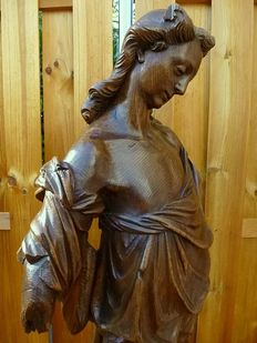 Large and finely carved oak angel sculpture -Flanders - 17th century
