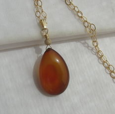 Gold necklace, 585-14 kt, with natural, honey chalcedony, necklace length 45 cm and  pendant 3.3 cm long.