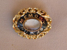 Antique commemorative/mourning brooch with black enamel