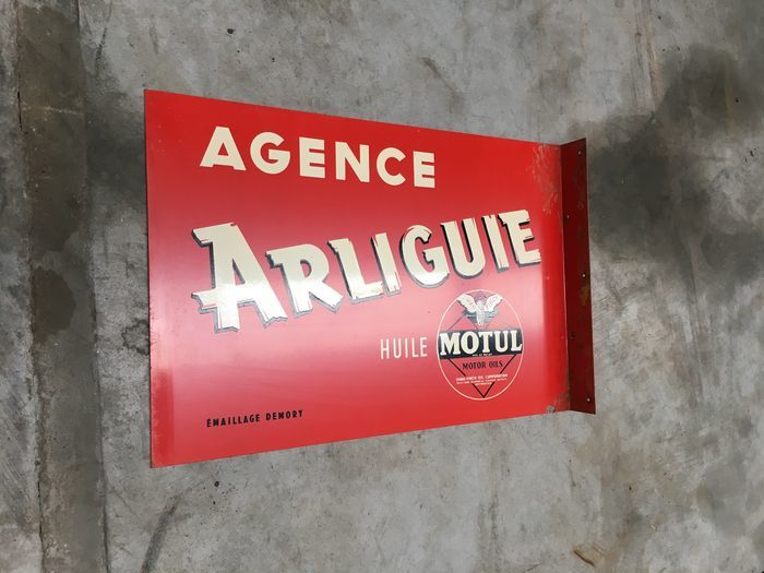 French enamel street sign from the years .... And and enamel advertising sign - MOTUL - Arliguie