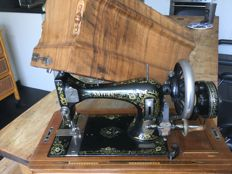 Now Joseph Wertheim Saturn sewing machine with beautiful decorations, approx. 1900, Frankfurt