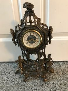Table clock Mercedes, baroque style, West Germany, brass/copper – first half 20th century