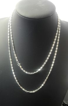 Silver necklace, 925k Length: 99.8 cm, width: 0.3 cm, weight: 28.74 g