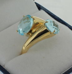 14 kt yellow gold ring with aquamarine, ring size 17.75
