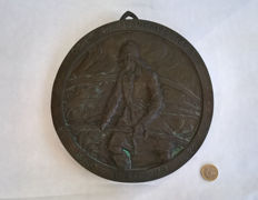 Antique Big and Heavy solid copper / brass plate - Of the Firefighters College, in relief; Fireman in action, 1928, The Netherlands