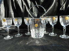 Cristal d'Arques - 6 ornate engraved Crystal Dampierre glasses 12.5 cl glass-and a beautiful crystal ice bucket.