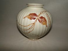 Rosenthal vase. With the signature of artist Rielter.