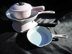 Le Creuset Pink - four lovely cooking and frying pans, around 1970