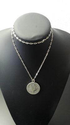 Silver 5 Corona coin from the year 1900, with necklace 900k Length: 71 cm, width: 0.3 cm, weight: 9.8 g