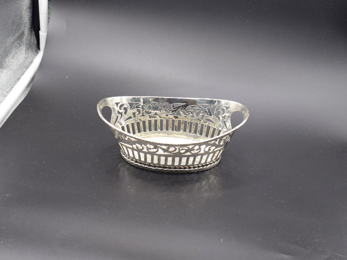 Designer  sterling silver sweet meat basket,  International hallmarked 925