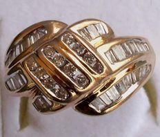 14 kt yellow gold ring with 53 diamonds totalling 1.15 ct – Ring Size: 16.6/52.1 mm – Weight: 7.2 g