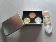 USA-6 Bitcoin medals in silver 999/1000 copper 999/1000 and gold plated 24kt.
