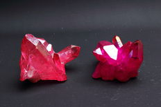 Pale Red Aura Quartz and Dark Pink Crystal - 4.8 and 5.3 cm - 110gm  (2)