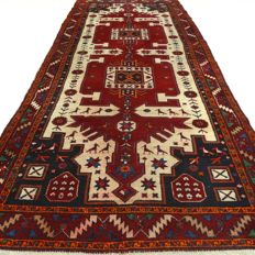 "Hamadan – 276 x 108 cm – ""Persian carpet in beautiful condition"" – Note! No reserve price, starts at €1"