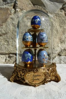 "House of Fabergé - Fabergé eggs - ""Sapphire Garden"" - cast porcelain - crystal - 24 k gold gilded finish - 1990"