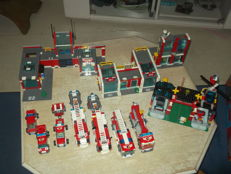 City / Town / Classic Town - 10 sets o.a. 7208 + 7734 + 6373 - Fire Station + Cargo Plane + Motorcycle Shop + 20 minifigures