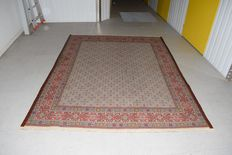 Wonderful Persian carpet, Moud with silk – 20th century, around 1980 - 250 x 200 cm - with certificate of authenticity