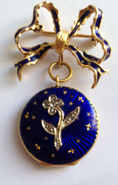 Love knot brooch with pendant