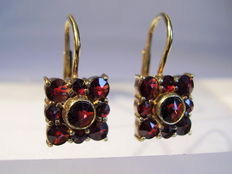 Earrings with antique rose cut Bohemian garnets