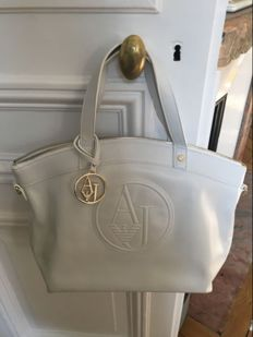 Armani – Handbag, worn over the shoulder
